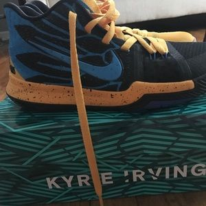 Kyrie 3 Youth size 7